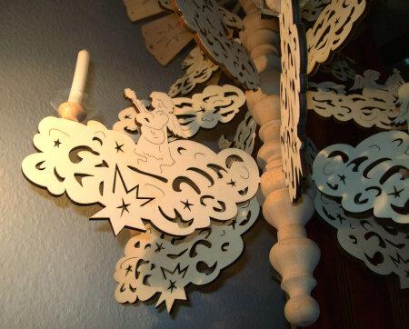 Laubsägevorlage Hängepyramide Wolke mit 9 Engeln